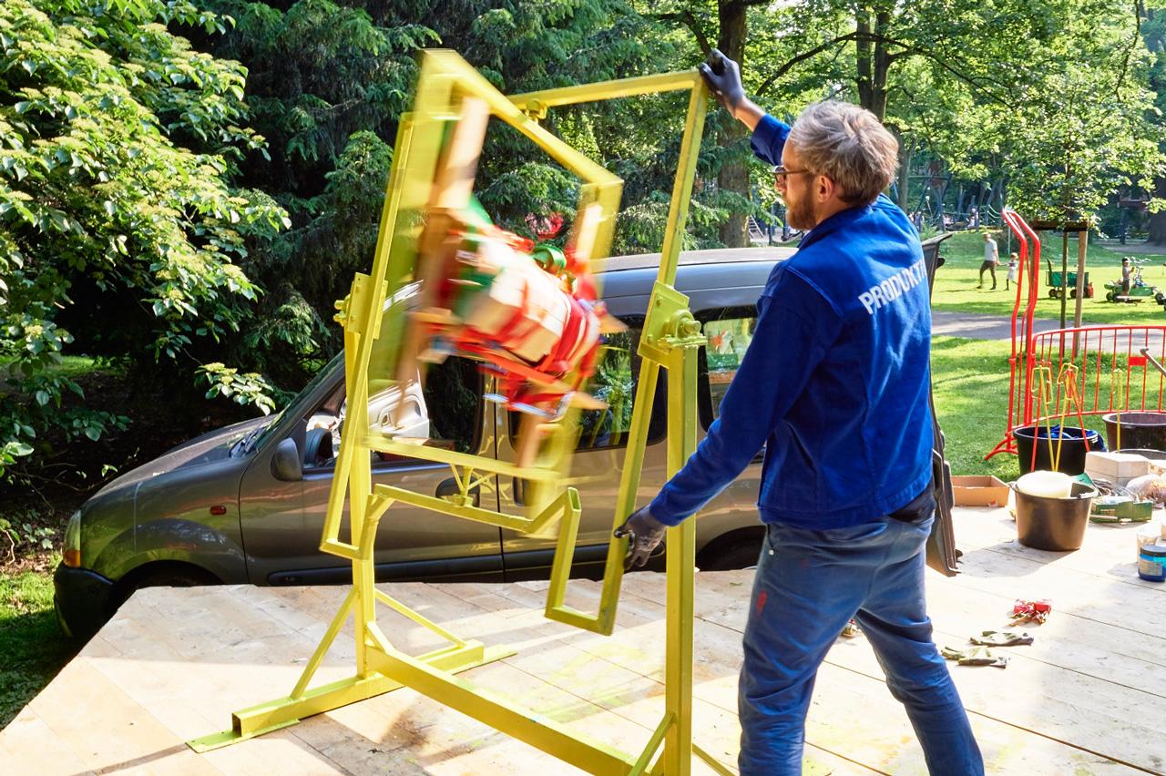 samuel-treindl-david Rauer-Produktionsskulptur-03-Foto-roman-mensing
